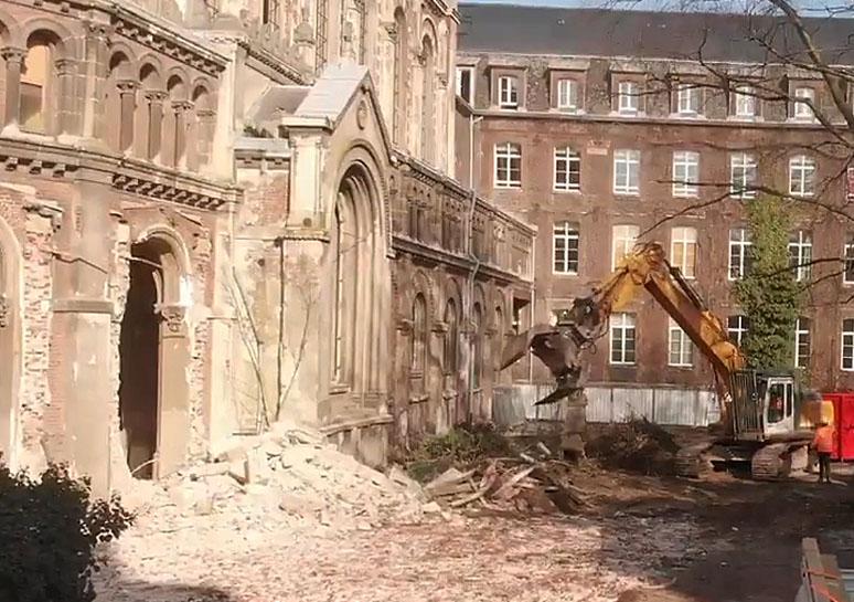 Les pelleteuses détruisent la chapelle Saint-Joseph à Lille