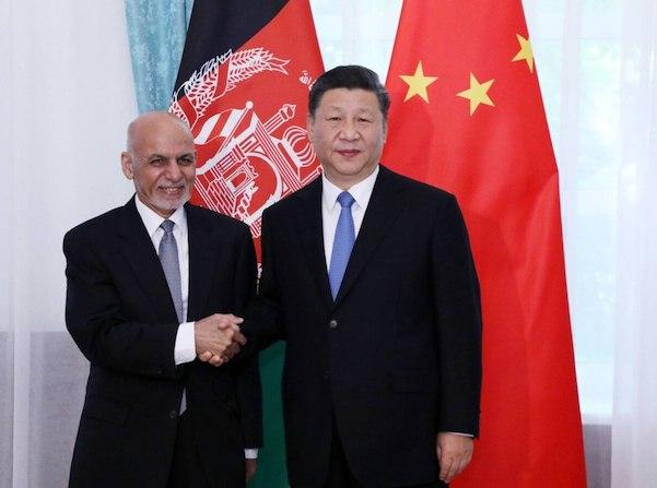 Le Premier ministre chinois Xi Jingping et le Président afghan Ashraf Ghani à Kyrgyzstan en juin 2019