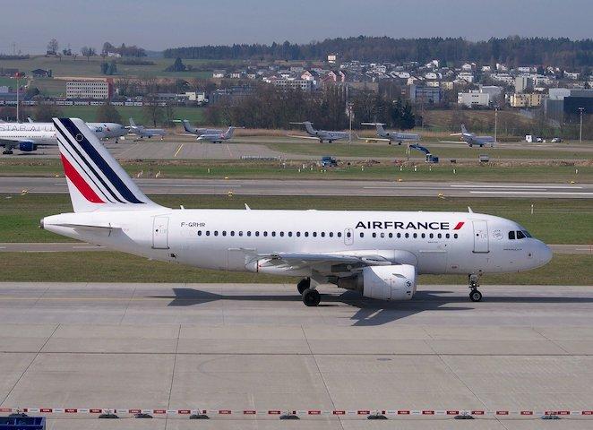 Le président d'ADP prévoit un trafic aérien diminué jusqu'en 2027 et une hausse du prix du billet au frais du consommateur
