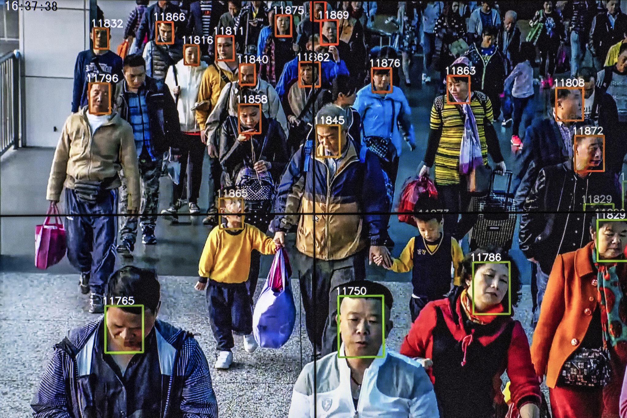 Nicht geimpfte Menschen werden in China aus Universitäten, Krankenhäusern und Supermärkten verbannt
