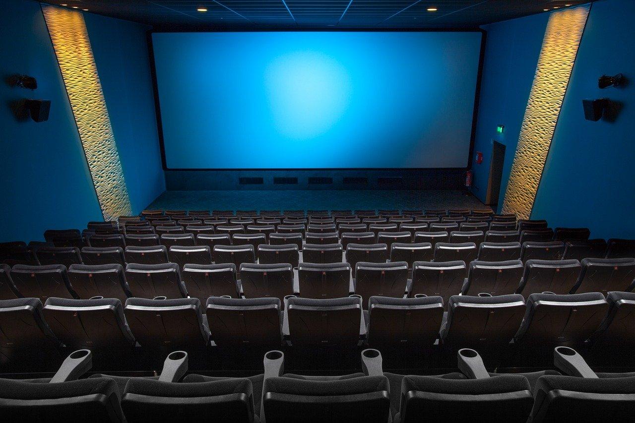 Les Français ne vont plus au cinéma depuis l'introduction du pass sanitaire : chute drastique de 70 % !
